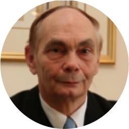 ヘルムート・デュルシュラーグ 教授